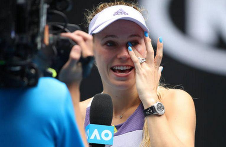 Caroline Wozniacki nu și-a putut stăpâni lacrimile la interviul de retragere din activitatea de jucătoare, după eliminarea din turul al treilea al Australian Open 2020