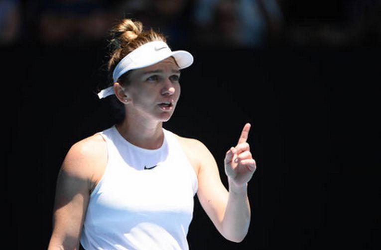 Simona Halep cere un prosop de la un copil de mingi la Australian Open 2020