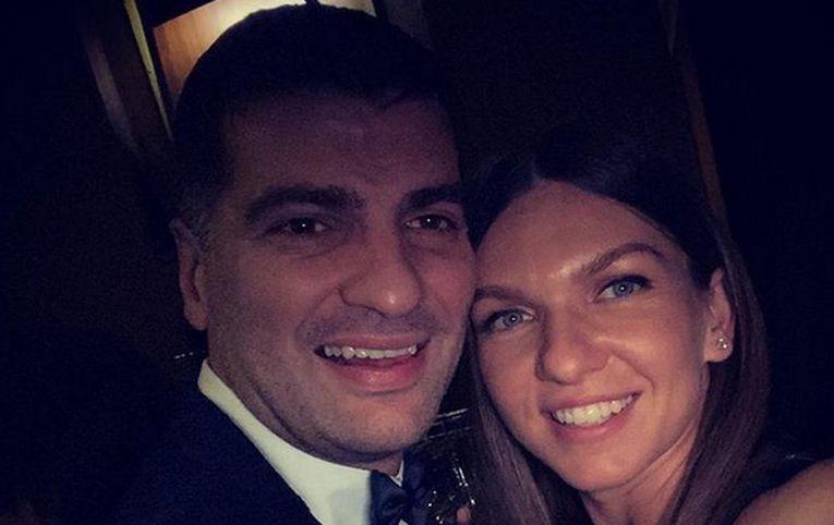 Simona Halep a făcut un selfie cu iubitul său, omul de afaceri Toni Iuruc, la petrecerea de Revelion 2020, din clubul Uanderful din București