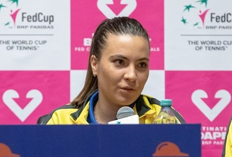 Gabriela Ruse la conferința de presă a echipei de Fed Cup a României înaintea meciului cu Rusia