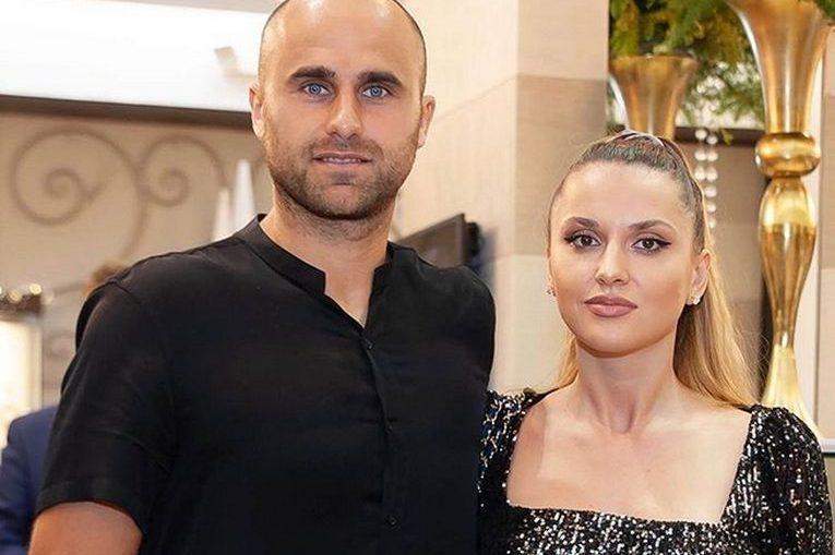 Marius Copil, alături de iubita lui, Ramona Iacob