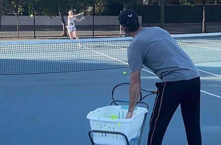 Darren Cahill al antrenament cu fiica sa, Tahlia