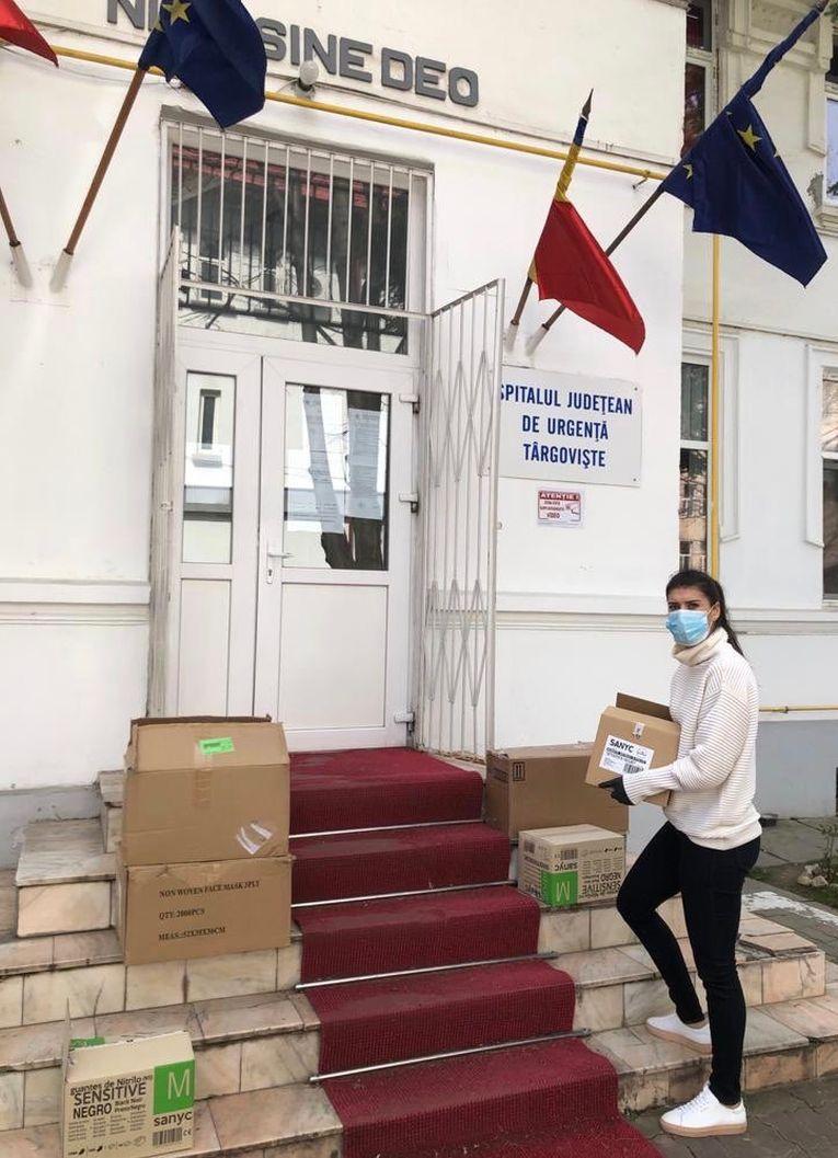 Sorana Cîrstea a donat produse Spitalului Județean de Urgență din Târgoviște