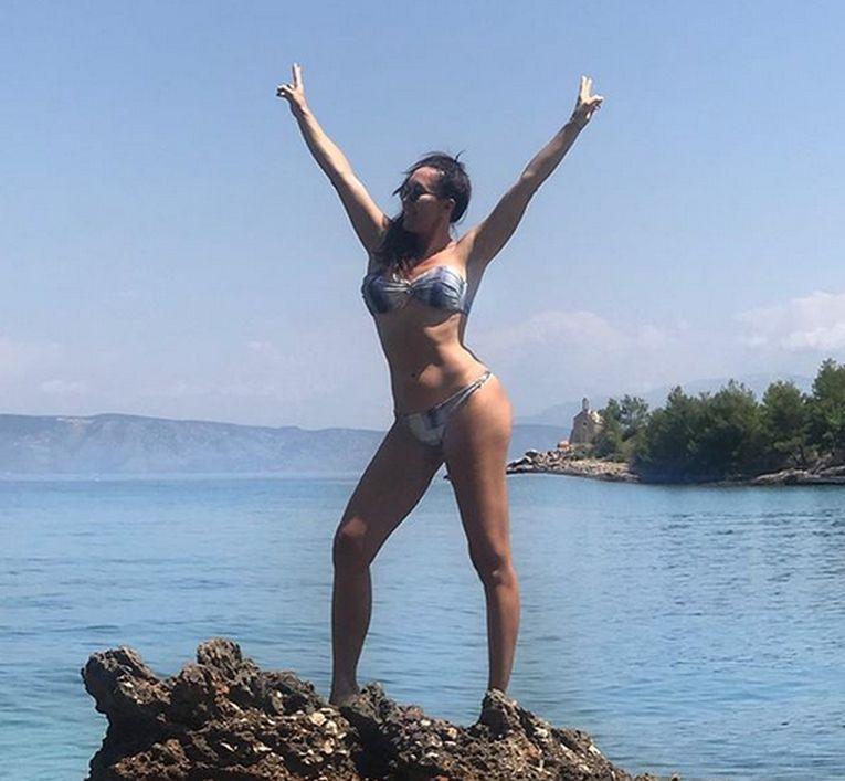 Jelena Jankovic adoră să pozeze în costum de baie