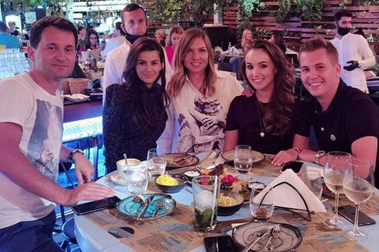 Simona Halep, alături de prieteni la sărbătorirea unui an de la victoria de la Wimbledon