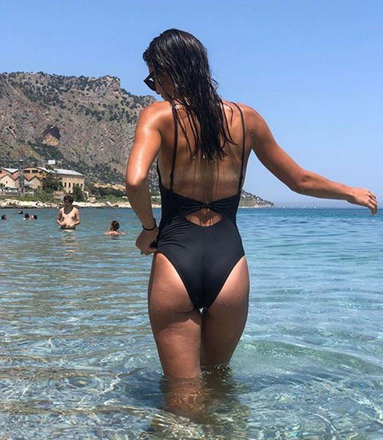 Andreea Mitu a întors multe capete la plajă