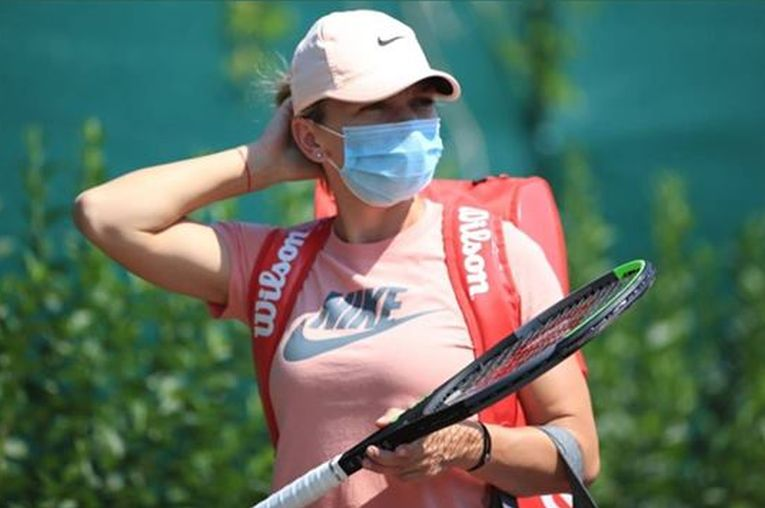 SIMONA HALEP Practicing at Miami Open 03/18/2019 – HawtCelebs