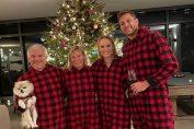 Caroline Wozniacki și familia, îmbrăcați în costumul de Crăciun