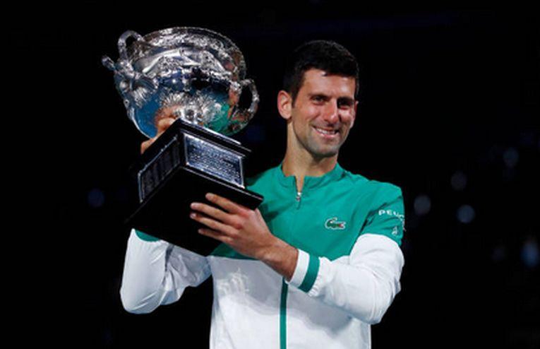 Novak Djokovic cu al nouălea trofeu cucerit la Australian Open