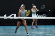 Simona Halep și Daria Gavrilova s-au calificat în optimi la Gippsland Trophy