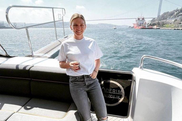 Simona Halep, cu șalupa pe Bosfor