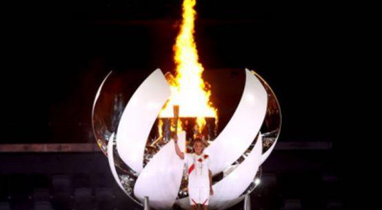 Naomi Osaka a aprins flacăra olimpică