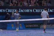 """Tsonga """"s-a dat"""" la Federer"""