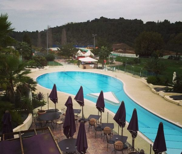 piscina patrick mouratoglou academie nisa