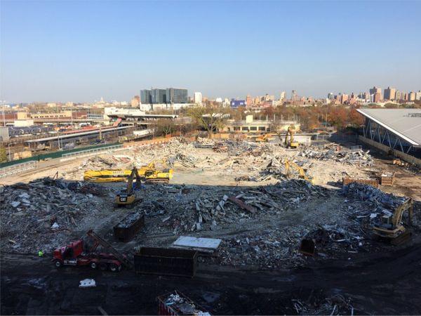 stadion louis armstrong demolat