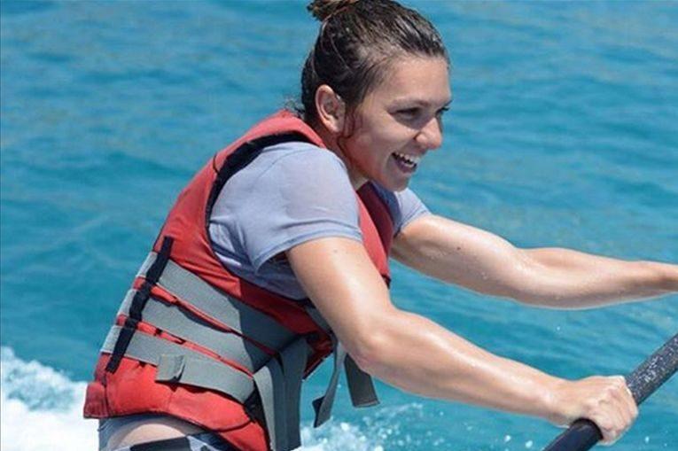 simona halep apa surf thailanda hua hin