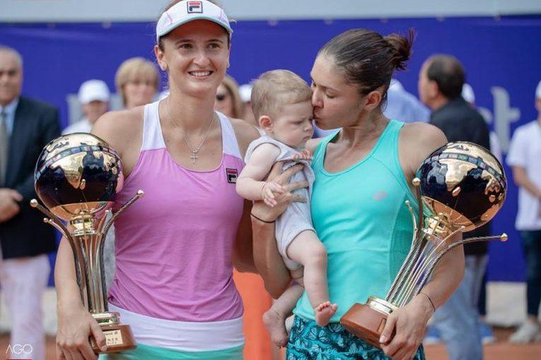 Andreea Mitu cu fiul, Adam, si cu Irina Begu, campioane la BRD Bucharest Open