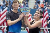 Bethanie Mattek Sands si Jamie Murray, cu trofeul cucerit la dublu mixt la US Open 2018