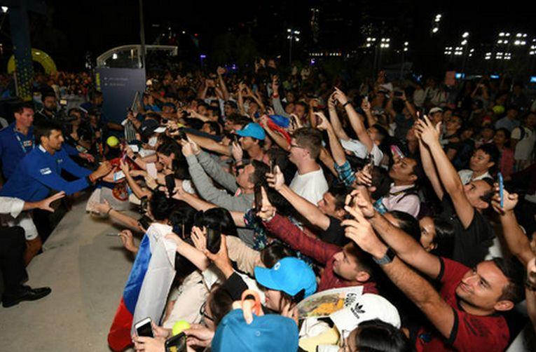 novak djokovic fani australian open 2019