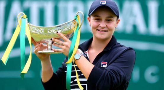 Ashleigh Barty, cu trofeul cucerit la Birmingham