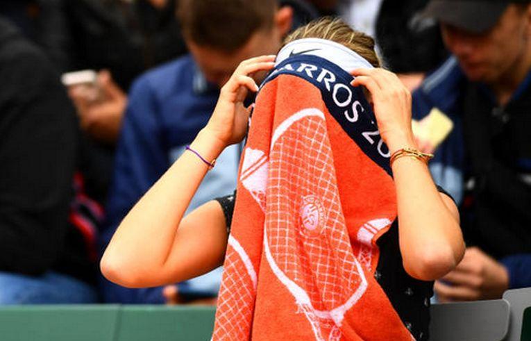 Amanda Anisimova a invins-o la Roland Garros pe Simona Halep