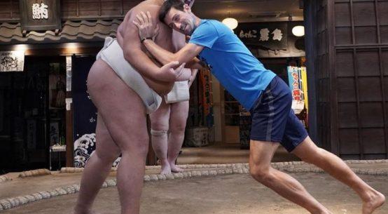 Novak Djokvoic a incercat să miște un luptător de sumo
