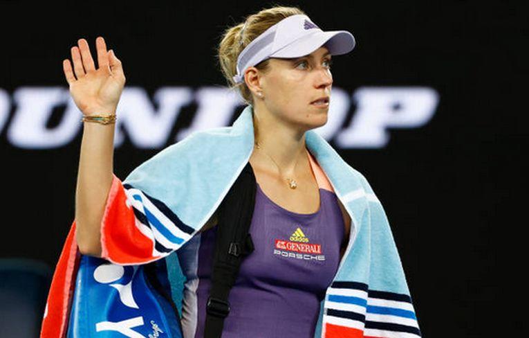 Angelique Kerber își ia la revedere de la spectatori după ce a părăsit Australian Open 2020 în faza optimilor de finală