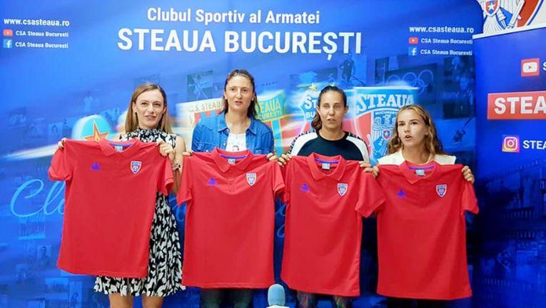 Ana Bogdan, Irina Begu, Mihaela Buzărnescu și Irina Bara, la prezentarea oficială în tricoul Stelei
