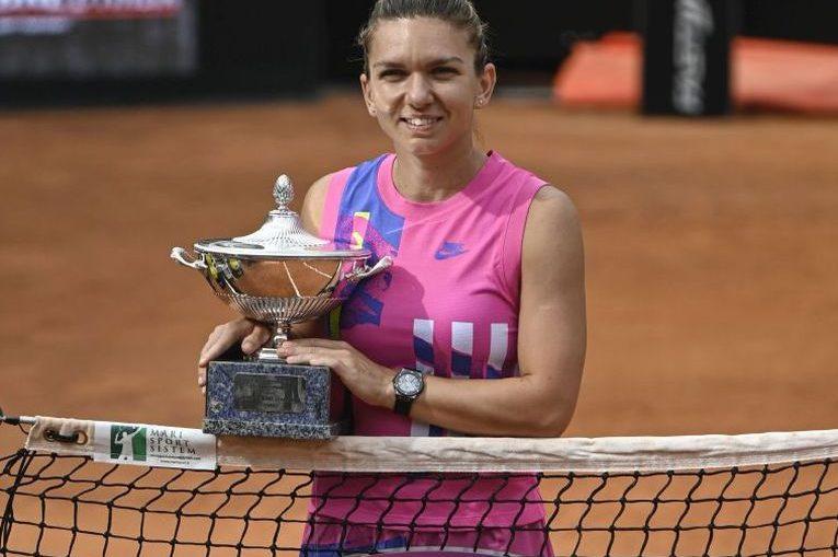 Simona Halep cu al 22-lea trofeu din cariera, cel de la Roma