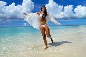 Naomi Osaka, pe plajă